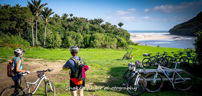 Mountainbikers at Heaphy River (Photo by Stephen Roberts)