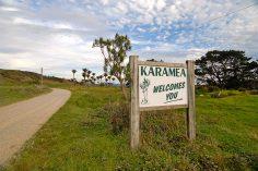 Karamea Welcomes You Sign